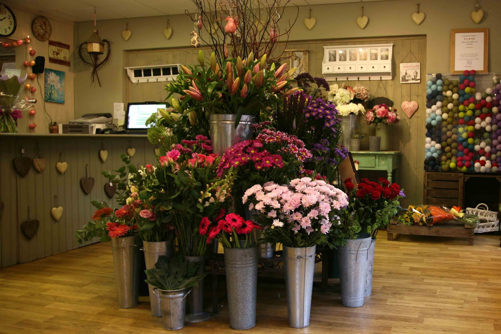 Продажа цветочного бизнеса в спб петроградский район балаково вакансии свежие